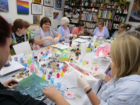 Reminder: Acrylic Pouring Introduction Workshop – Saturday, 30th November